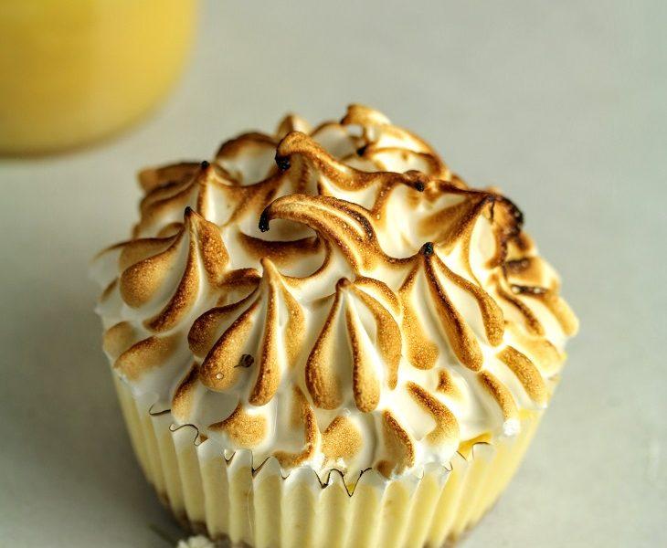 cheesecake lemon curd surprise