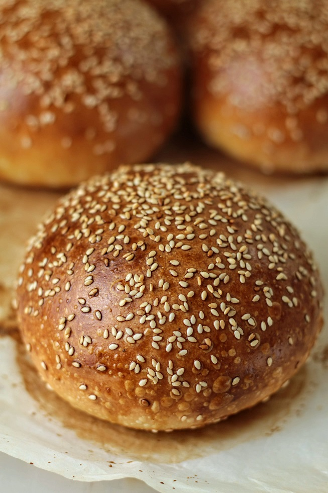baked burger buns