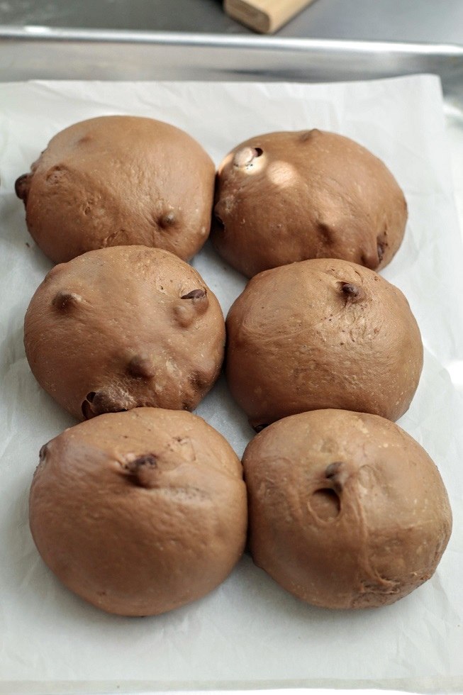 proofed buns