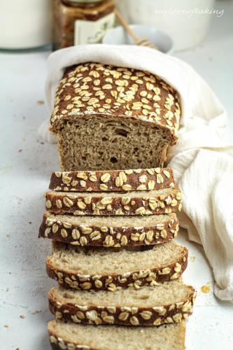 Honey & Oats Porridge Sandwich Loaf
